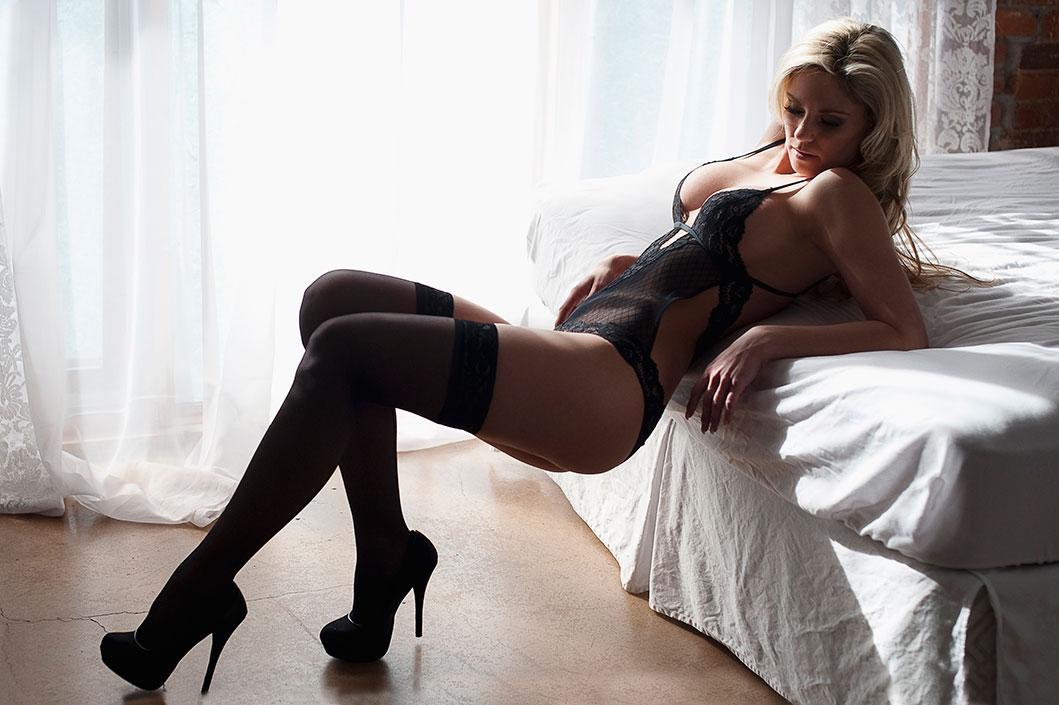 Boudoir_photographers_victoria_bc_0106-WEB